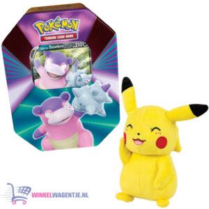Pokémon Kaarten Spring V Tin 2021 (Slowbro) + Pikachu Pluche Knuffel 20 cm + 3 Pokemon Stickers!