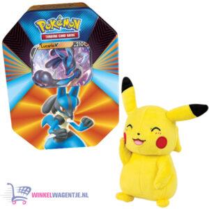 Pokémon Kaarten Spring V Tin 2021 (Lucario Riolu) + Pikachu Pluche Knuffel 20 cm + 3 Pokemon Stickers!