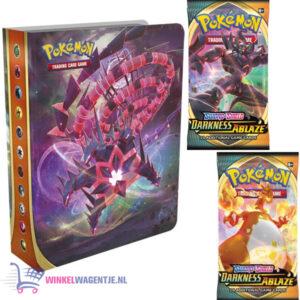 Pokémon Sword & Shield Darkness Ablaze Mini Portfolio + 2 st. Pokemon Booster Packs + Pikachu Sleutelhanger & 3 Pokémon Stickers!